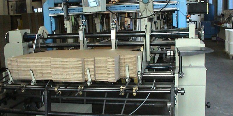 Maschinelle Faltschachtelverklebung